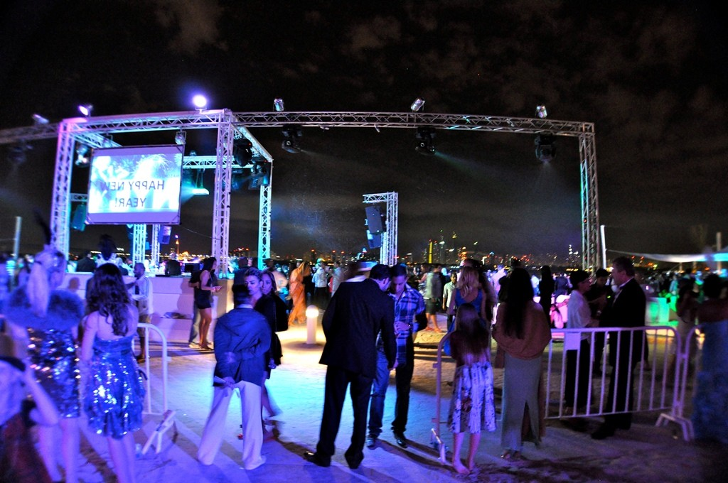 imageslike.com-original-religion-new-years-eve-dubai-nasimi-beach-party