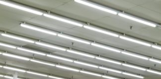 https://www.geekfence.com/2021/03/05/what-you-need-to-know-about-fluorescent-lighting-systems/