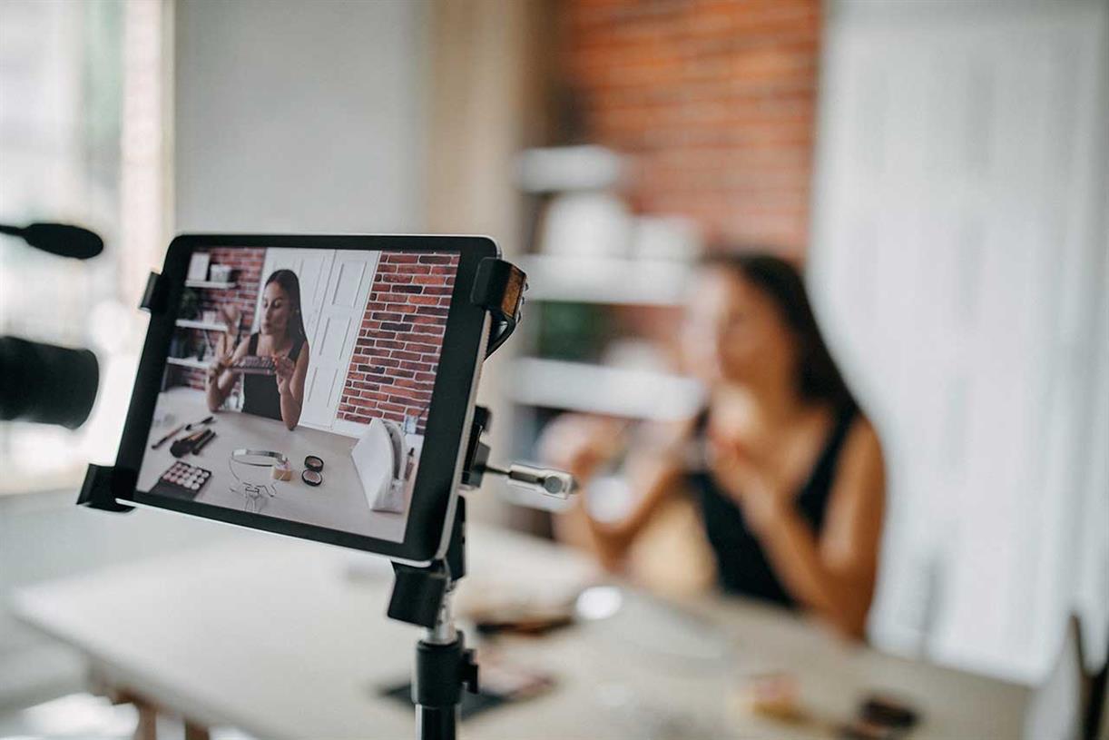 Top 5 Reasons Brands Should Adopt Influencer Marketing